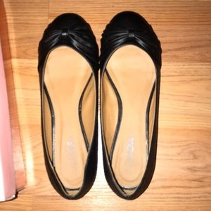Women's Black leather flats